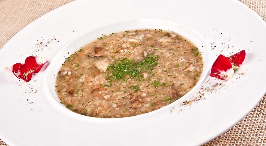 Pohánková polievka s údeným mäsom